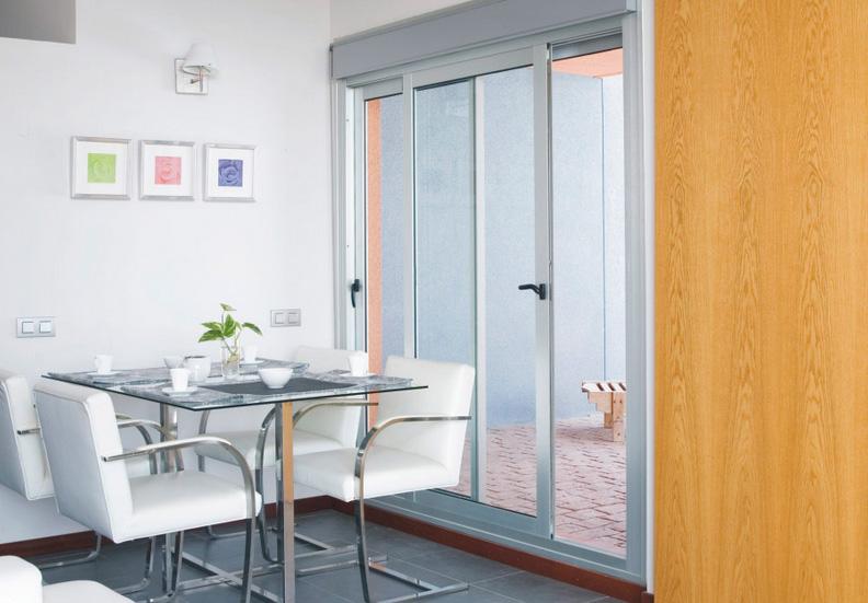 Ventanas de aluminio en madrid cerramientos de aluminio for Modelos de ventanas de aluminio